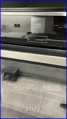 Neff N70 B57CR22N0B Slide and Hide Pyrolytic Single Oven Hardly Used